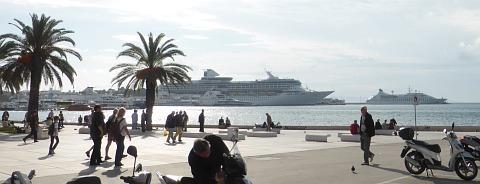 Kreuzfahrtschiife in Split