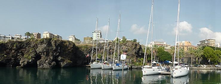 Im Mototboothafen Porto Rosso